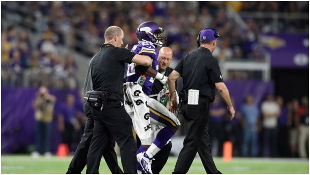 Adrian Peterson Tore His Meniscus...A Bucket Handle Fantasy Tragedy